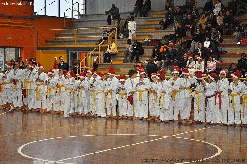 gara-karate-domenica-11-dicembre-a-alzate-brianza