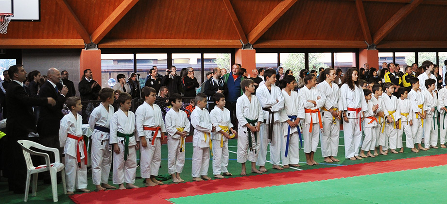 """Gara karate  a Canzo  (Como) 2° trofeo memorial """"Alberto Miccichè"""" / 21 ottobre 2012"""